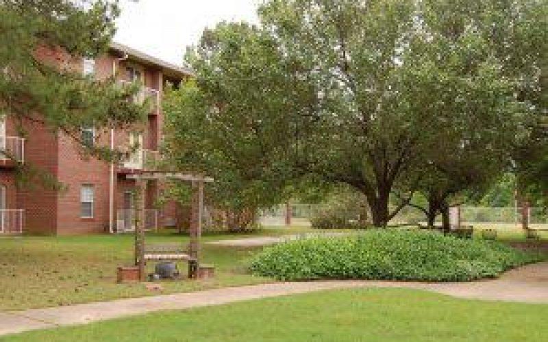 Kennington Pointe in Memphis, TN 39